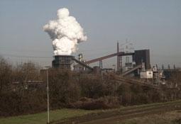 Bild: Abgabe von Schadstoffen an die Luft