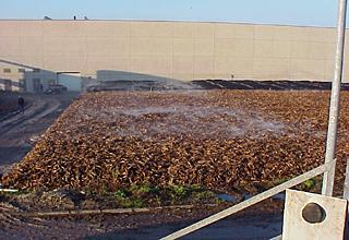 Photo: Überprüfung der erforderlichen Gleichmäßigkeit der Durchströmung des Biofilters